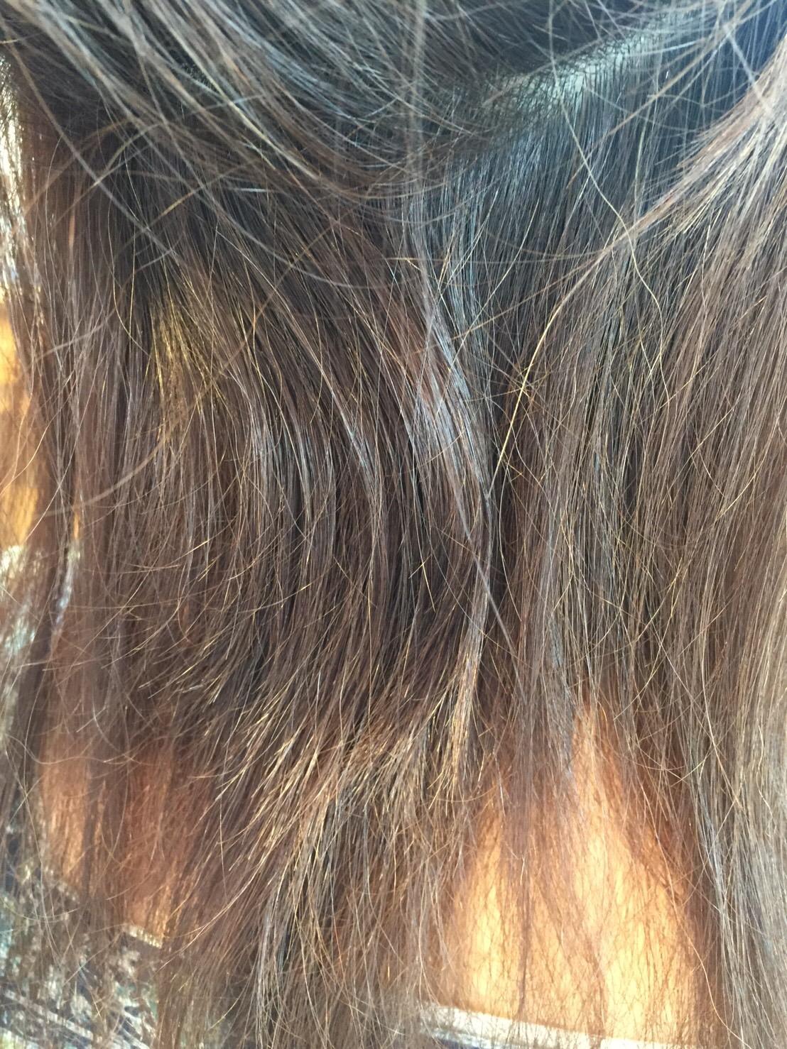 内側にジリつく髪の毛が・・・
