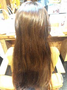 熱ダメージで毛先はダメージが蓄積されてます。