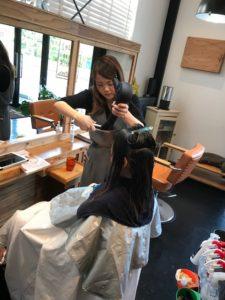 秦野で縮毛矯正と髪質改善に特化した美容室サロンドエメのブローで伸ばす縮毛矯正