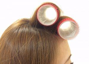 マジックカーラーで前髪とトップをふんわりする方法