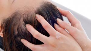 ヘッドスパで薄毛・エイジング毛を予防