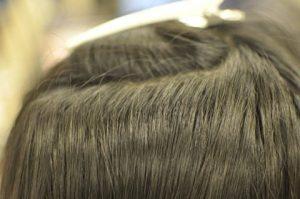 縮毛矯正による根折れした髪